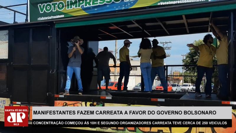 Manifestantes fazem carreata a favor do governo Bolsonaro em Santa Fé do Sul