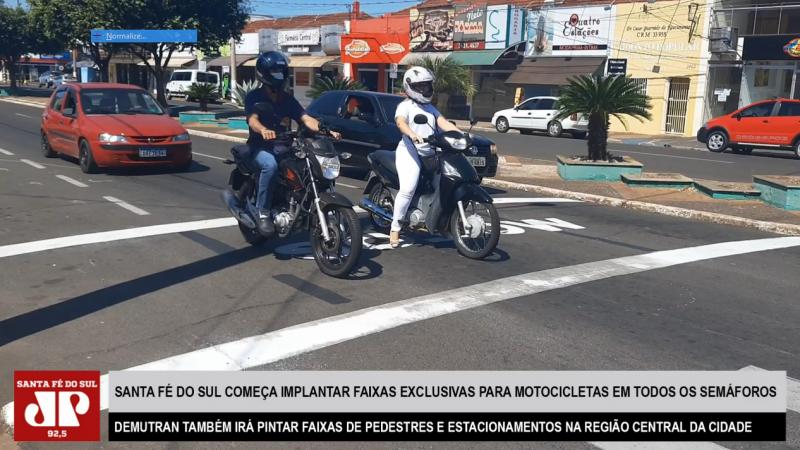 Santa Fé do Sul começa a implantar faixas exclusivas para motocicletas em todos os semáforos